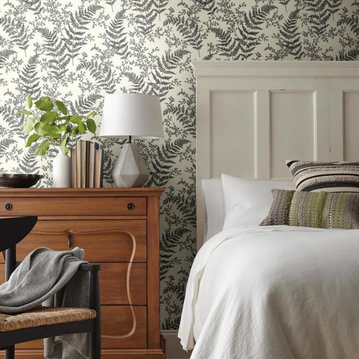 Forest Fern Unpasted Wallpaper ME1584-Exeter Paint Stores