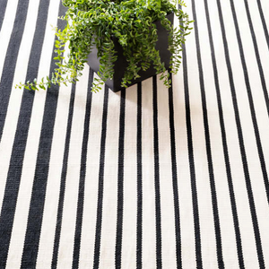 Dash & Albert Port Stripe Black Indoor/Outdoor Rug