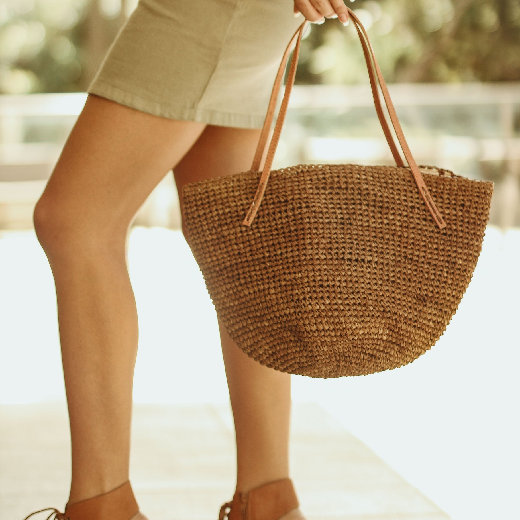 Tika Bucket Crochet Handbag - Tobacco