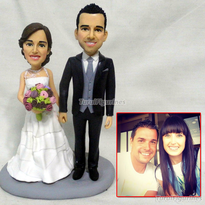 Personalized Mr and Mrs Bobblehead Cake Topper