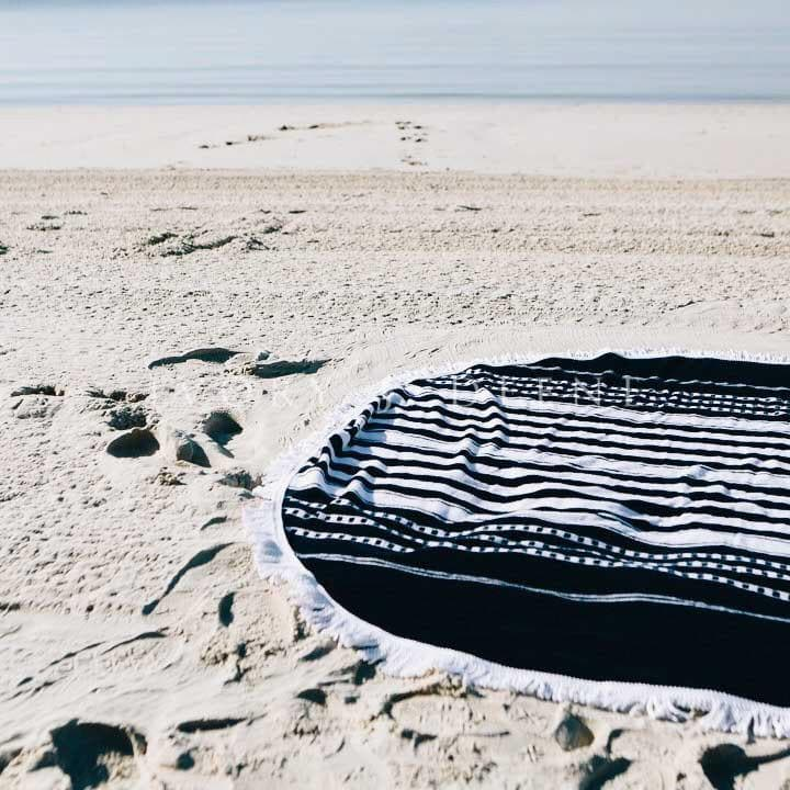 round-beach-towel-ivory-and-deene-navy-white-oceans
