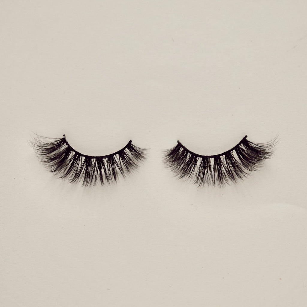 Sincerely Danicka Darling Eyelashes