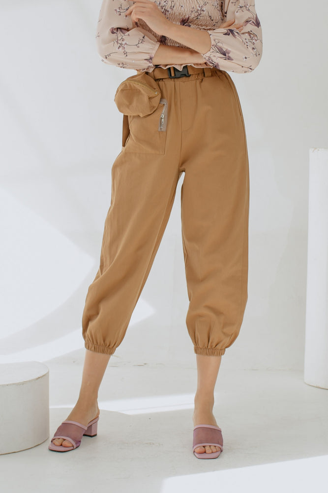 Shawntel Pocket Pants in Cream