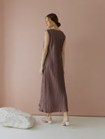 Amarta Pleats Sleeveless Dress