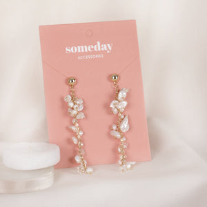Load image into Gallery viewer, Pearl Leafs Earrings