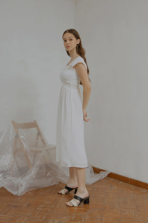 Load image into Gallery viewer, Ingrid Smock Dress in White