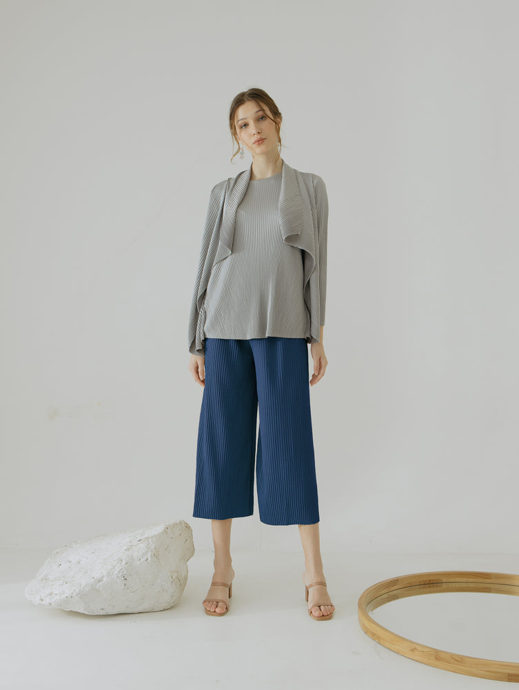 Load image into Gallery viewer, Ayna Navy Pleats Cullote