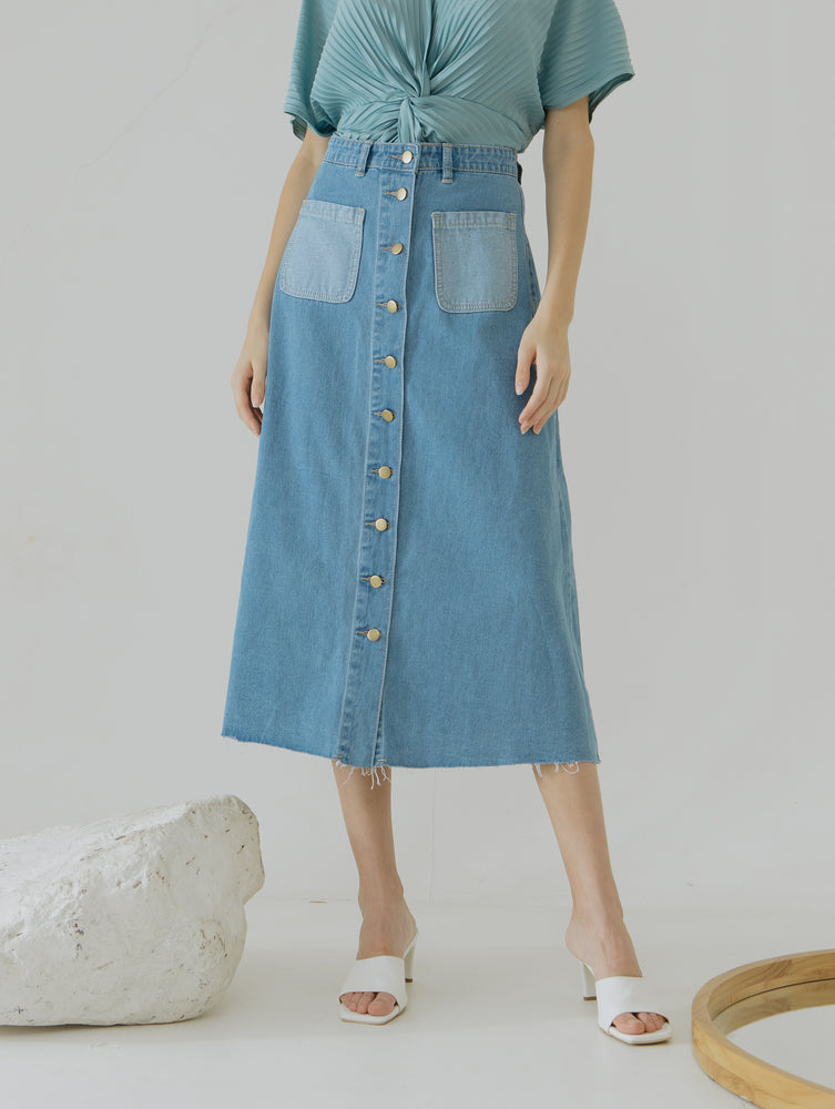Load image into Gallery viewer, Gisha Button Skirt jeans