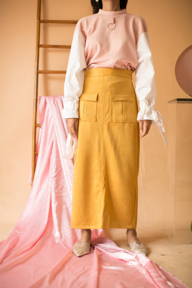 Load image into Gallery viewer, Catharina Pocket Skirt in Yellow