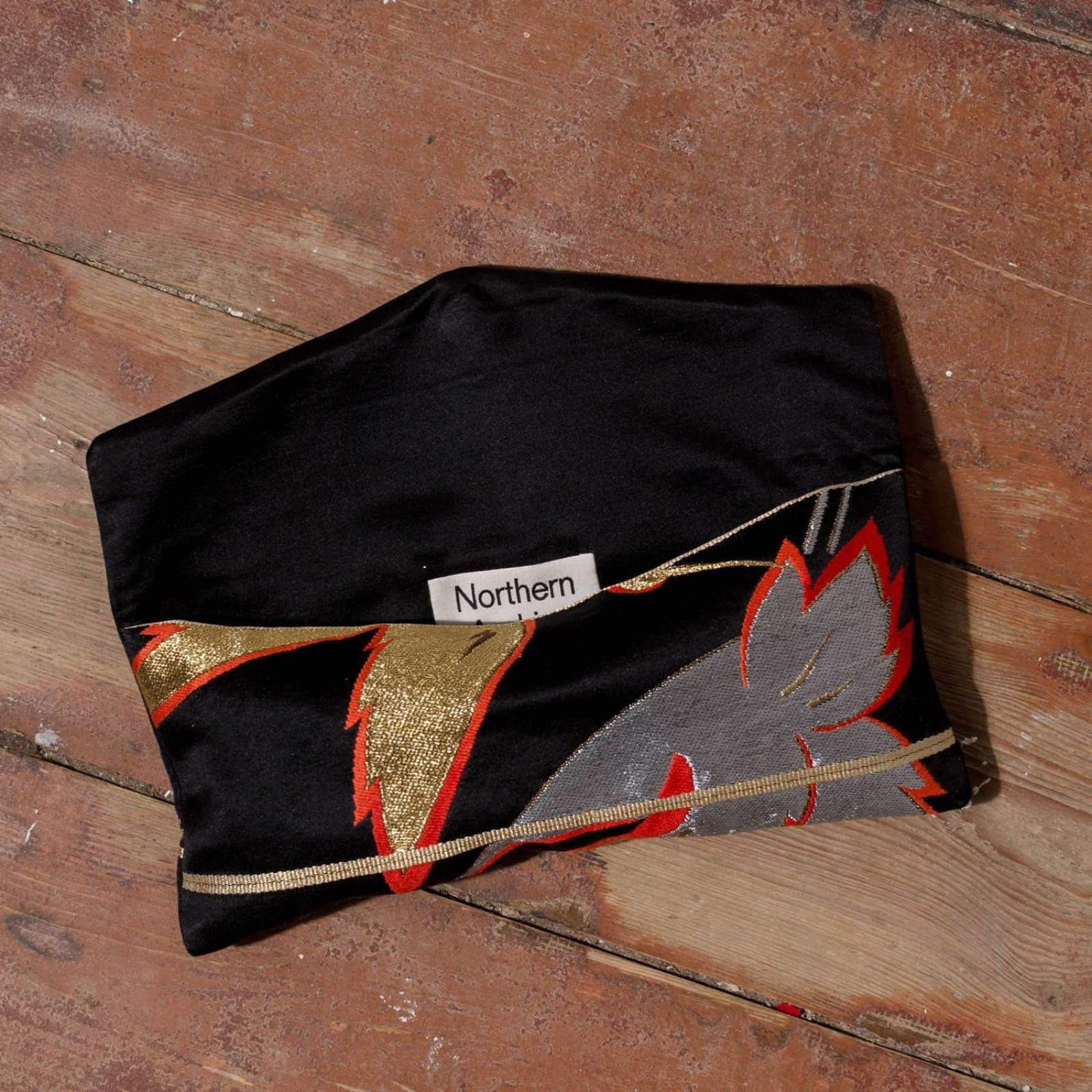 Northern Archive 30Cm Metallic Silk Clutch Bag