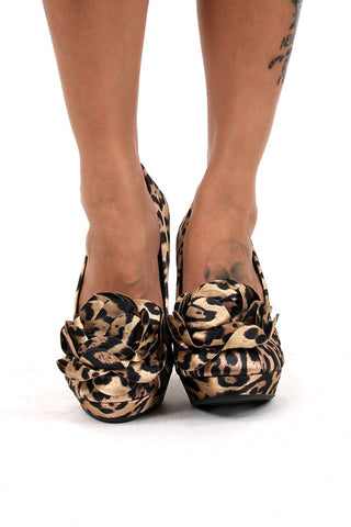 Rocket Dog Leopard Flower Big Kitty Fabric High Heel Platform Pumps