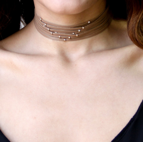 Taii Silk Choker in Peach Moonstone