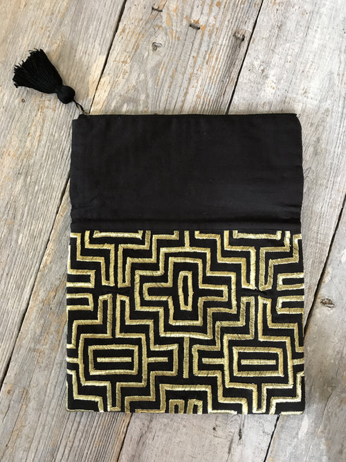 Reyna Black & Gold Clutch