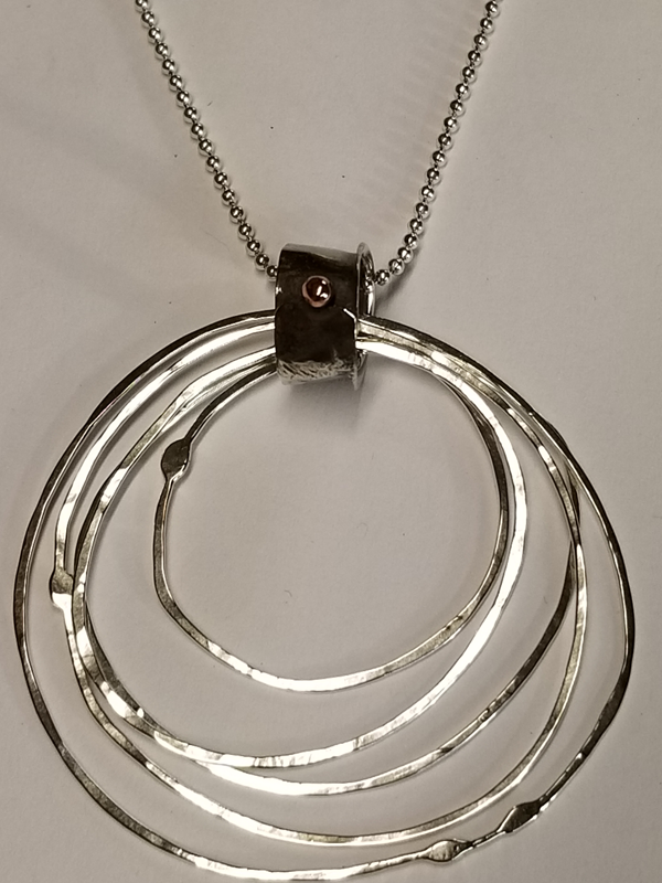 Multi Rings Pendant necklace