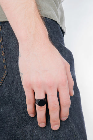 Circular Signet Ring in Black - Philistine