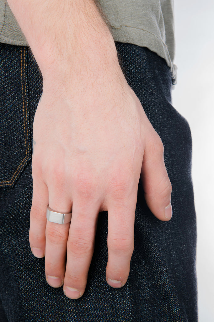 Men's Micro Signet Ring in Silver