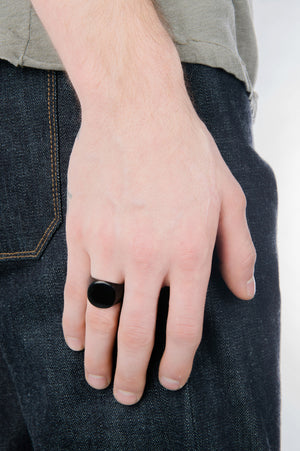 Mirrored Signet Ring in Black - Philistine