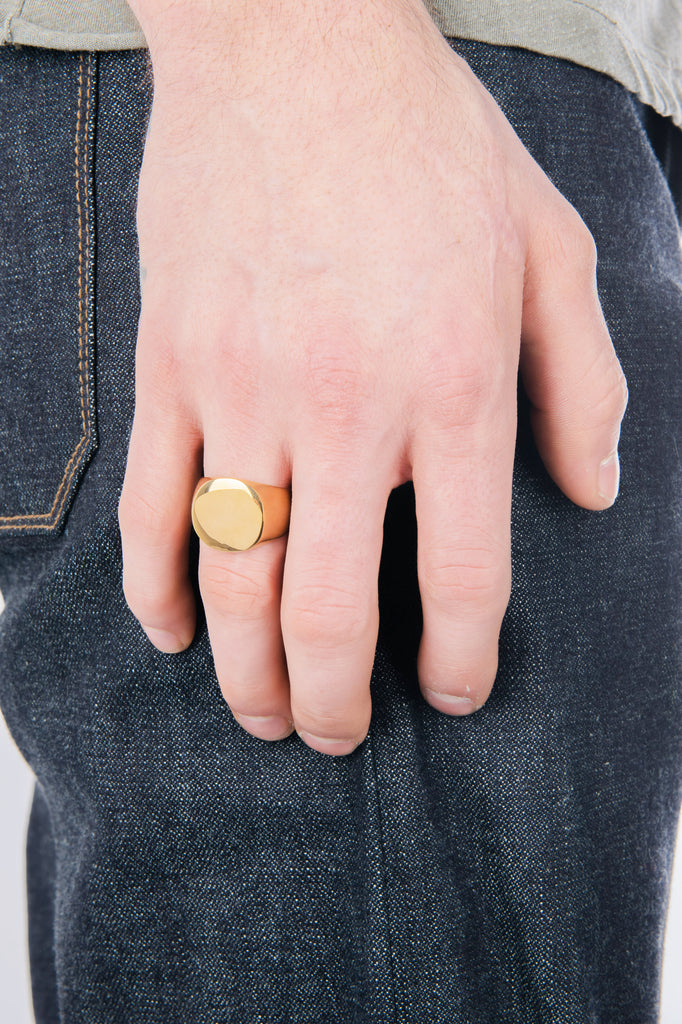 Men's Mirrored Signet Ring in Gold