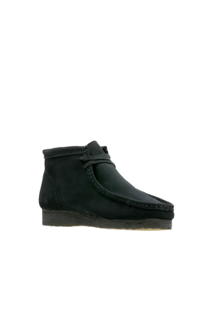 Wallabee Boot in Black Suede