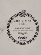 "Load image into Gallery viewer, Spode 'Christmas Tree' 7"" Covered Vegetable"