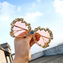Load image into Gallery viewer, Oversized Baroque Pearl Sunglasses