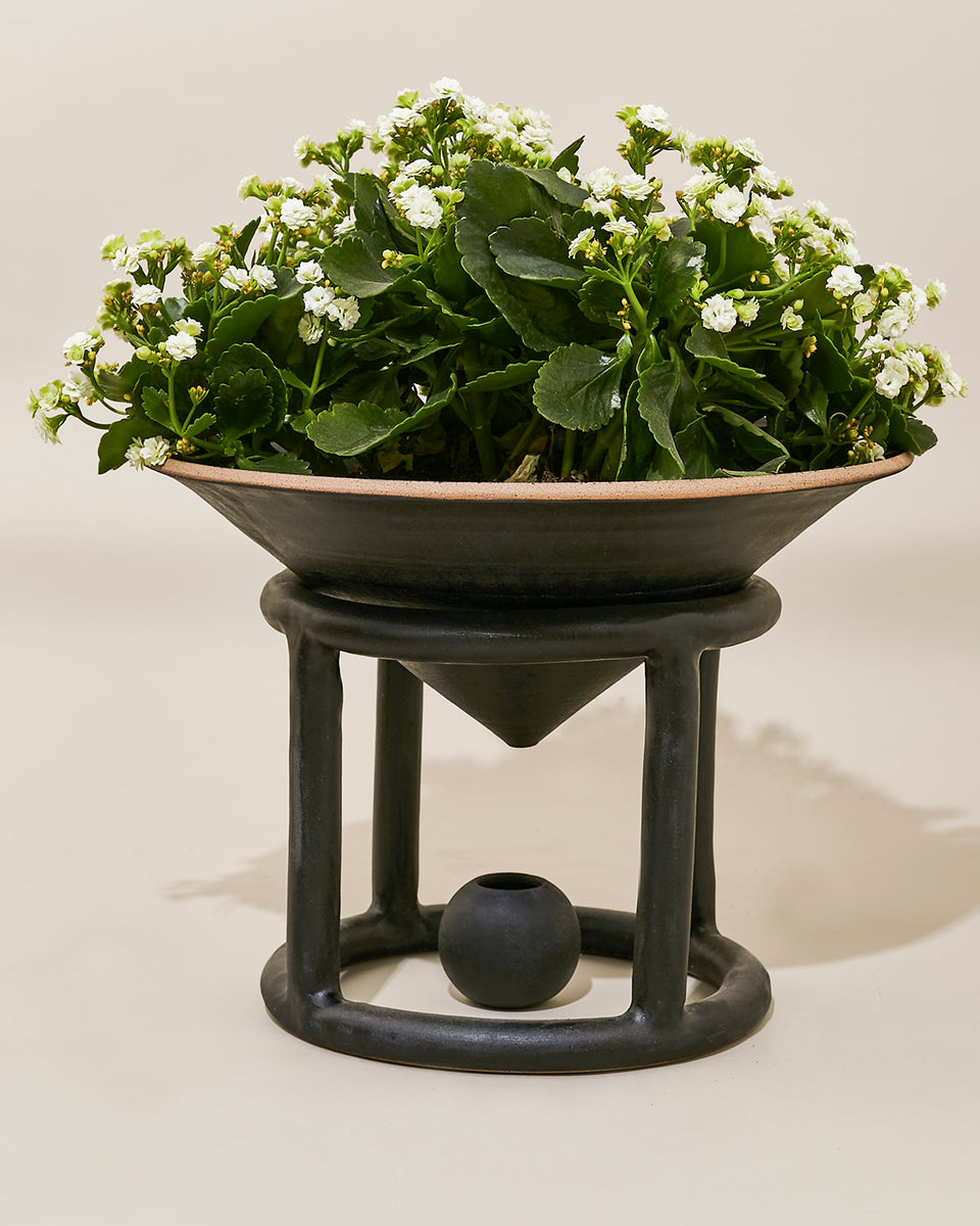 Reservoir Floor Planter, Black