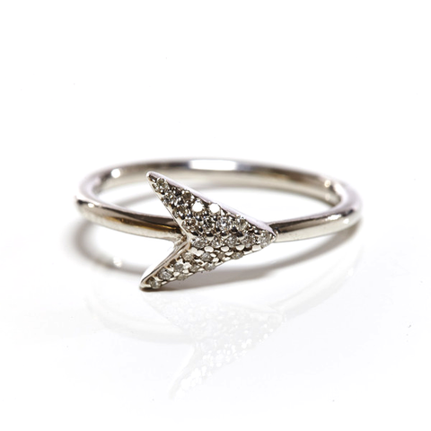 JADE JAGGER White Diamond Arrow Ring