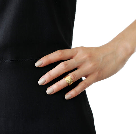 ALEXANDRA MARGNAT Poisson Gold Ring