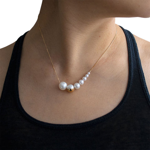M/G TASAKI MELANIE GEORGACOPOULOS Shell 7x Ascending White Pearls Yellow Gold Necklace