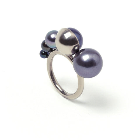 M/G TASAKI MELANIE GEORGACOPOULOS Shell 5x Ascending Peacock Pearls White Gold Ring