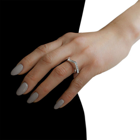 LYNN BAN Diamond Stackable Jagged Knuckle Ring