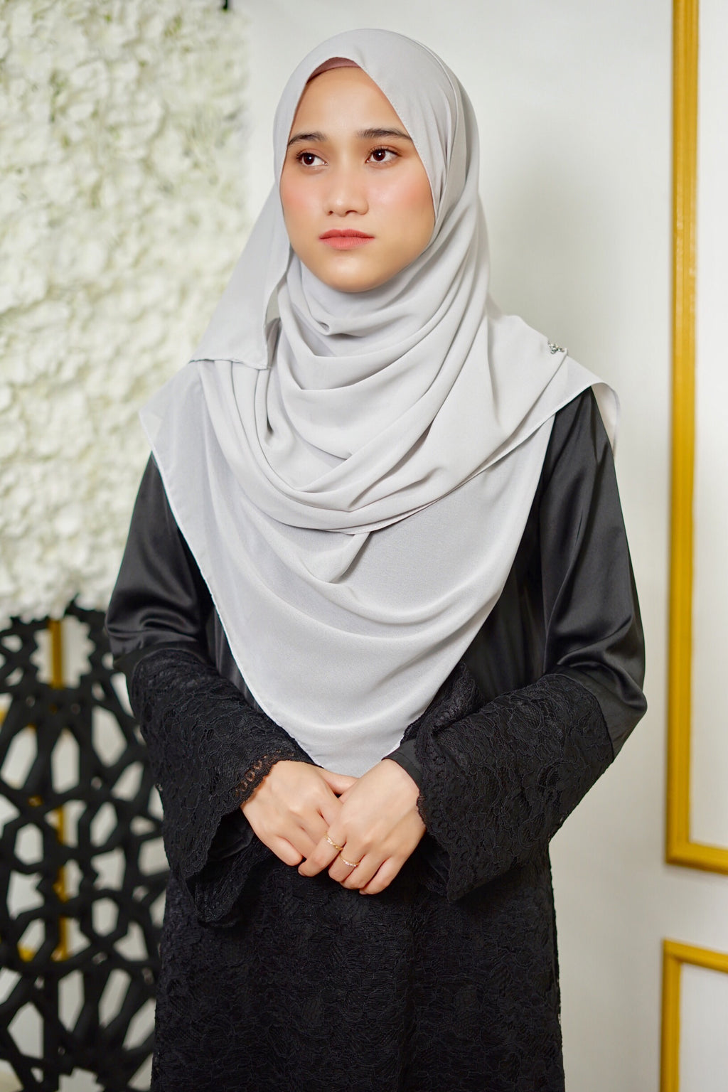 Lily Shawl - Light Grey