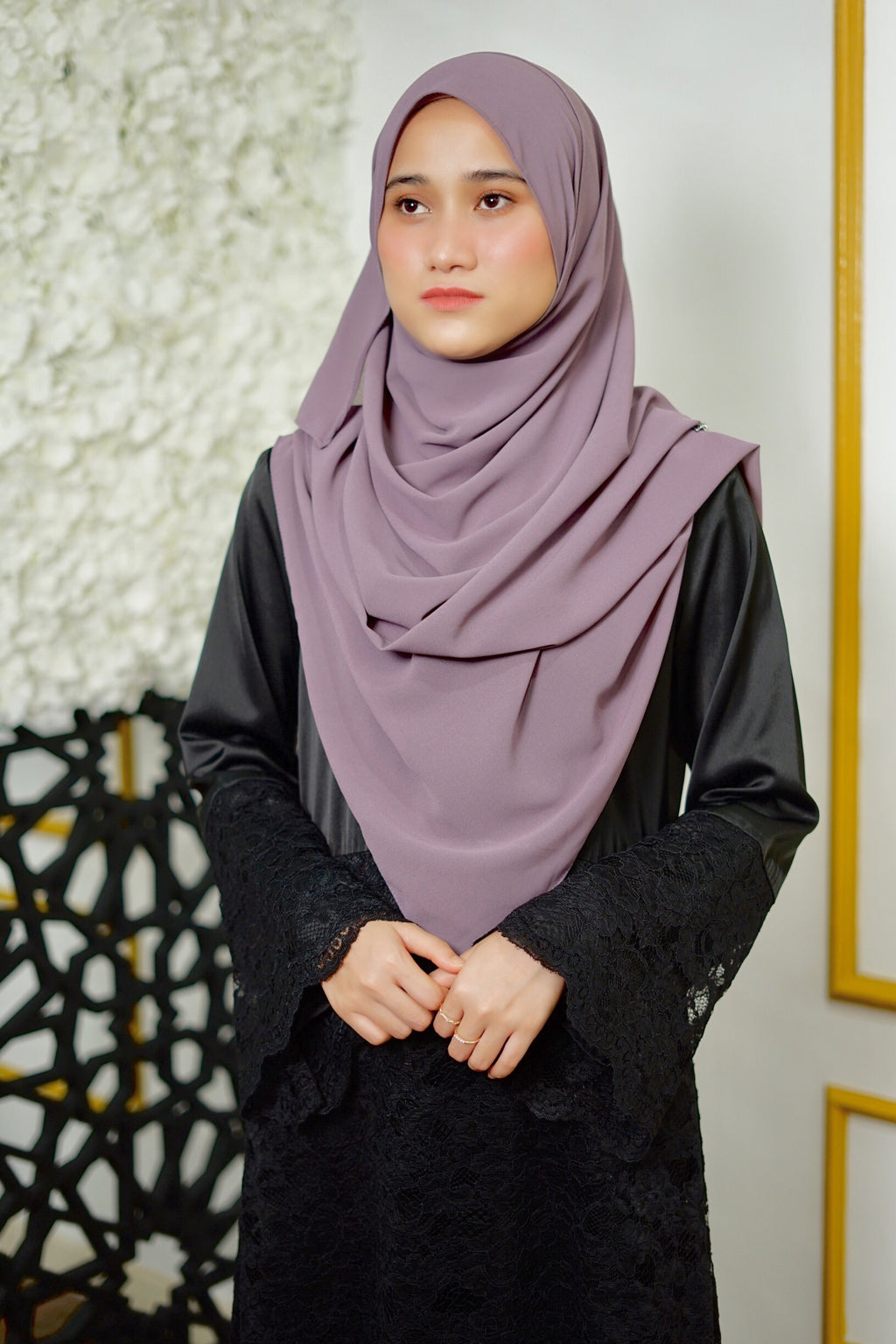 Lily Shawl - Moderate Purple