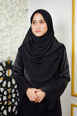 Lily Shawl - Black