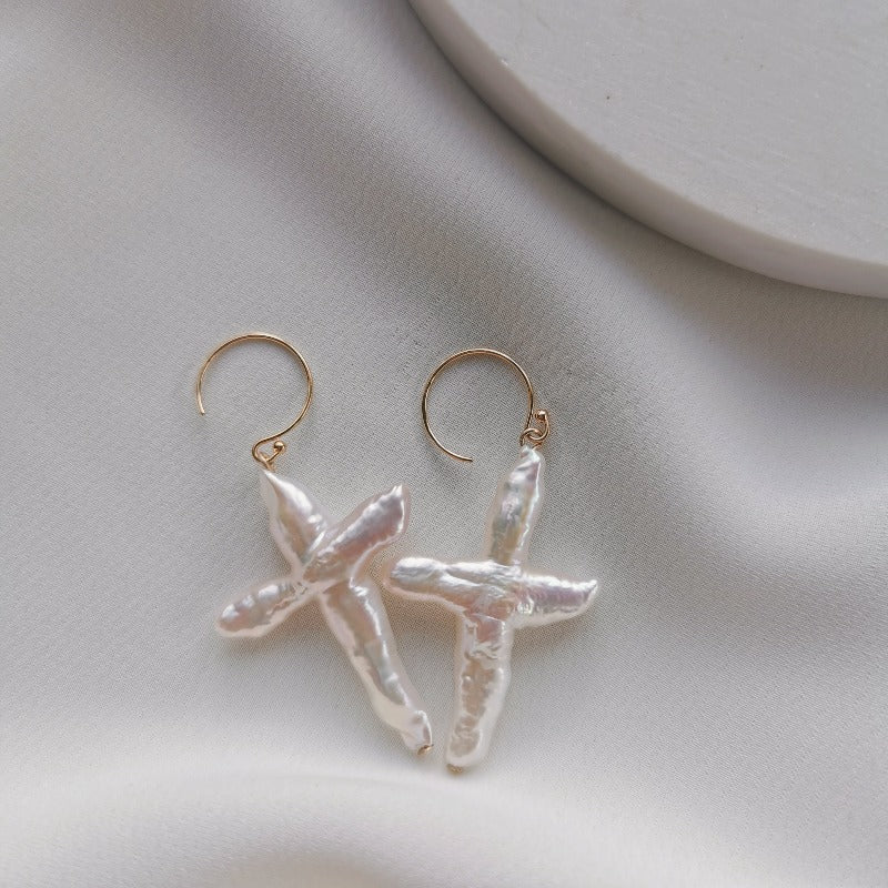 PearlLover | Ana Cross-shaped Pearl Earrings