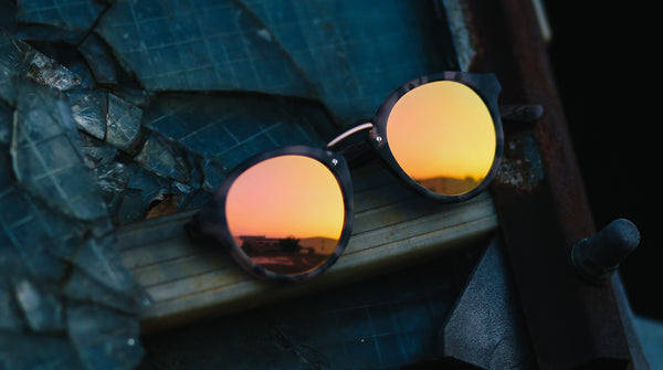 Rhea Holz Sonnenbrille Walnuss rosegold TAKE A SHOT Natur Moodpic