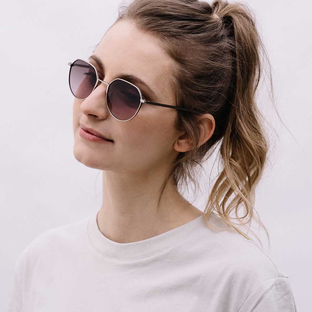 sonnenbrille Ike: Silver - Plum Gradient passform portrait damen take a shot