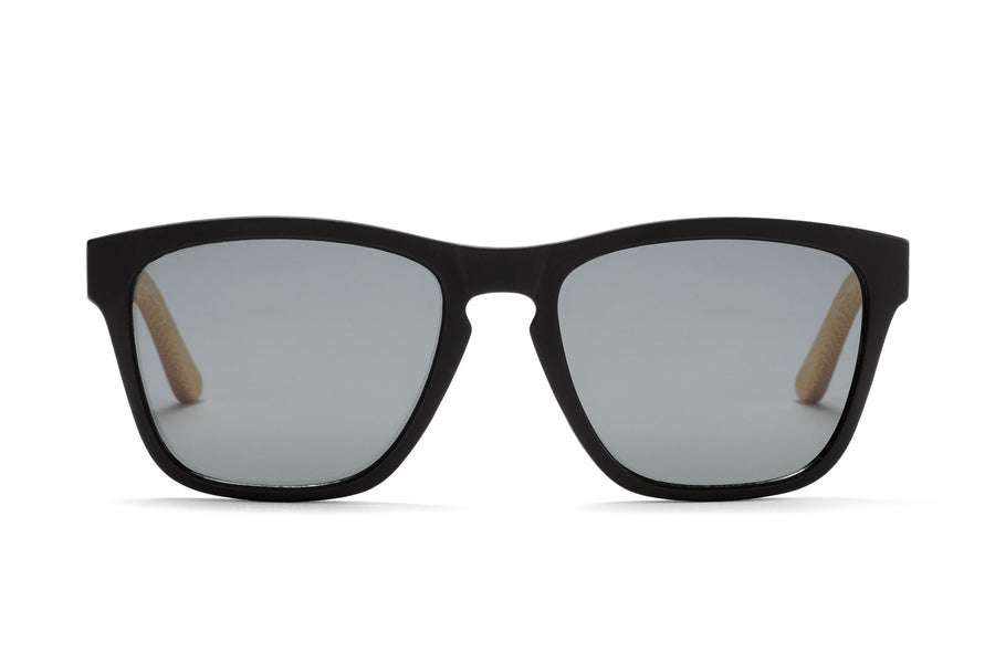 The Shadow: Bambus, Holz-Sonnenbrille von Take A Shot, graue Gläser