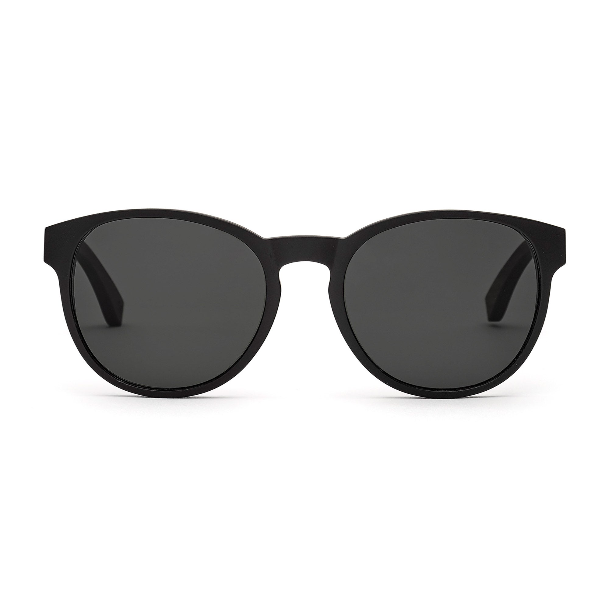The King Of Hearts: Walnussholz - Holz-Sonnenbrille von Take A Shot.