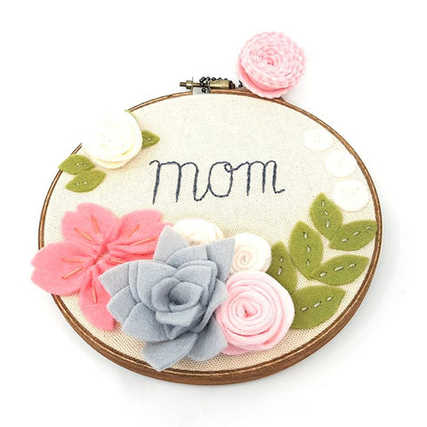 Catshy Crafts Mom Hoop Art