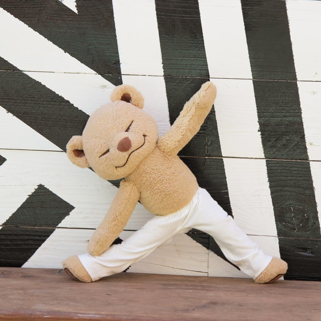 learn how to do triangle pose with meddy teddy