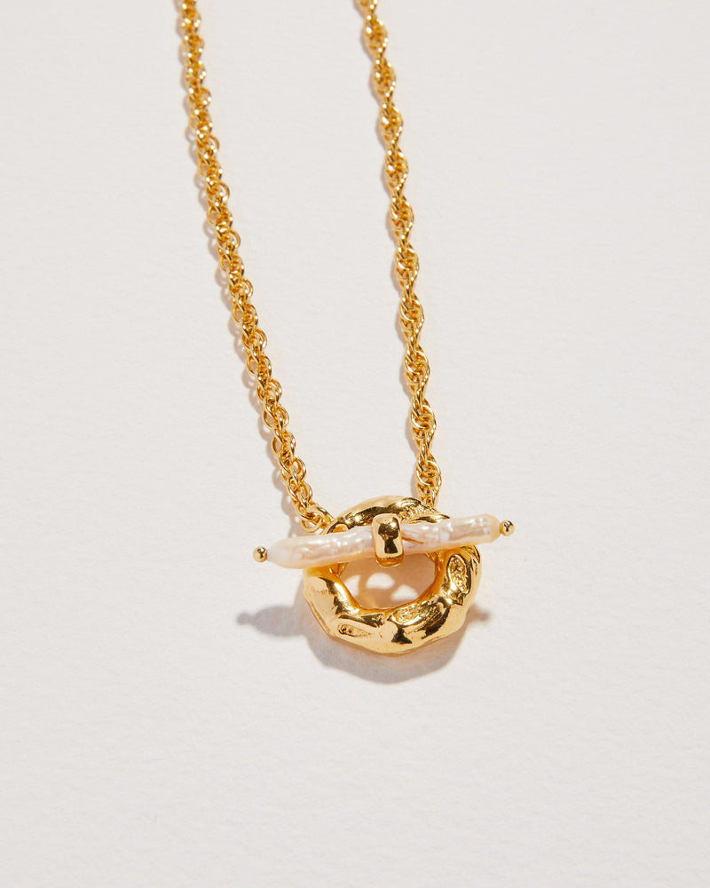jasmine pearl toggle necklace