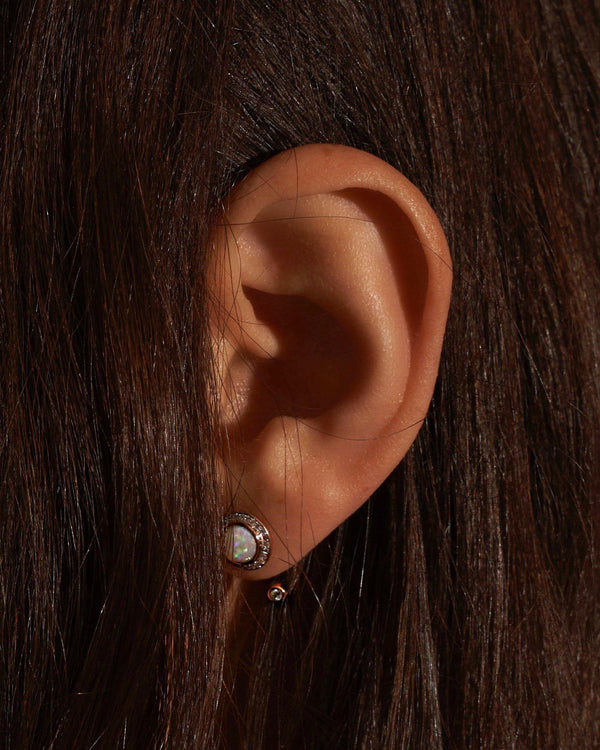 gravitation earring on the model