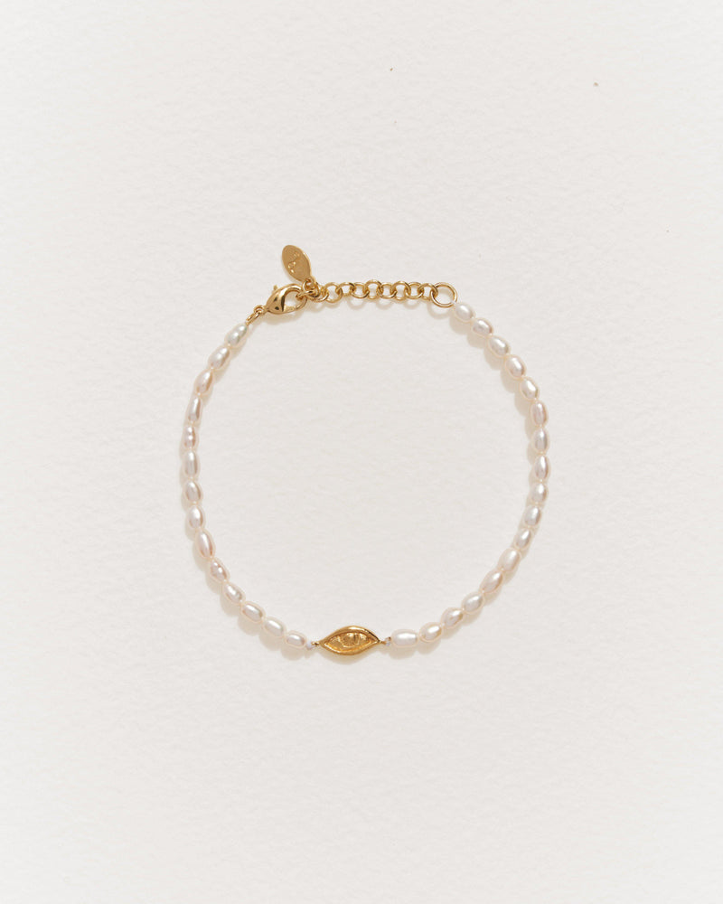 gold plate beaded eye bracelet with freshwater pearls