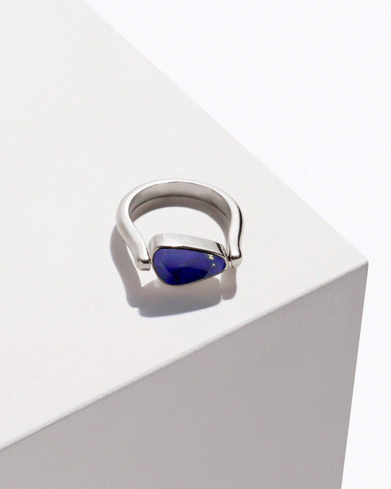 rotating pilar ring lapis
