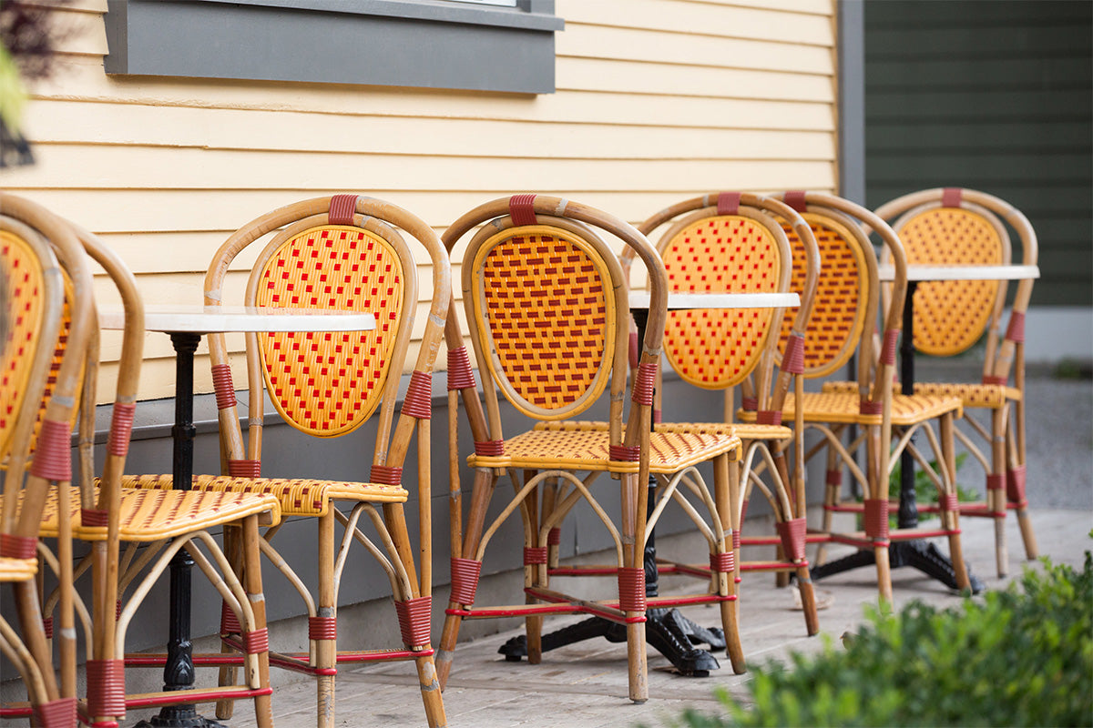 Balzacs Coffe Niagara-On-The-Lake Row of Chairs