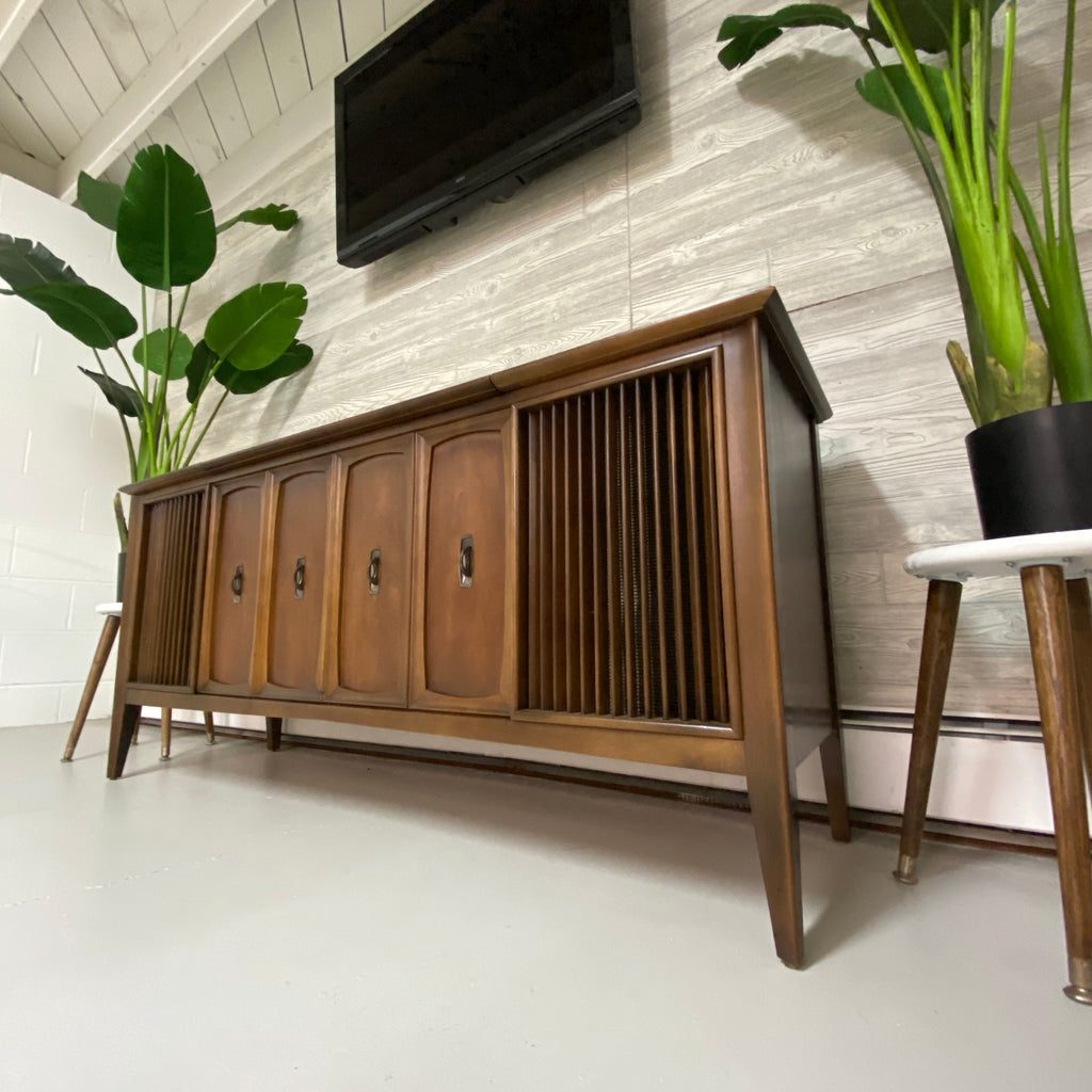 The Vintedge Co™ - ZENITH 60s Mid Century Stereo Console Record Player AM FM Bluetooth Alexa