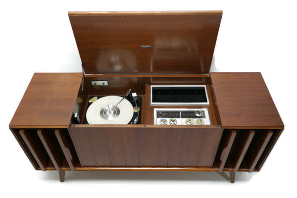 The Vintedge Co™ - Zenith Louver Door Record Changer Stereo Console AM/FM Tuner