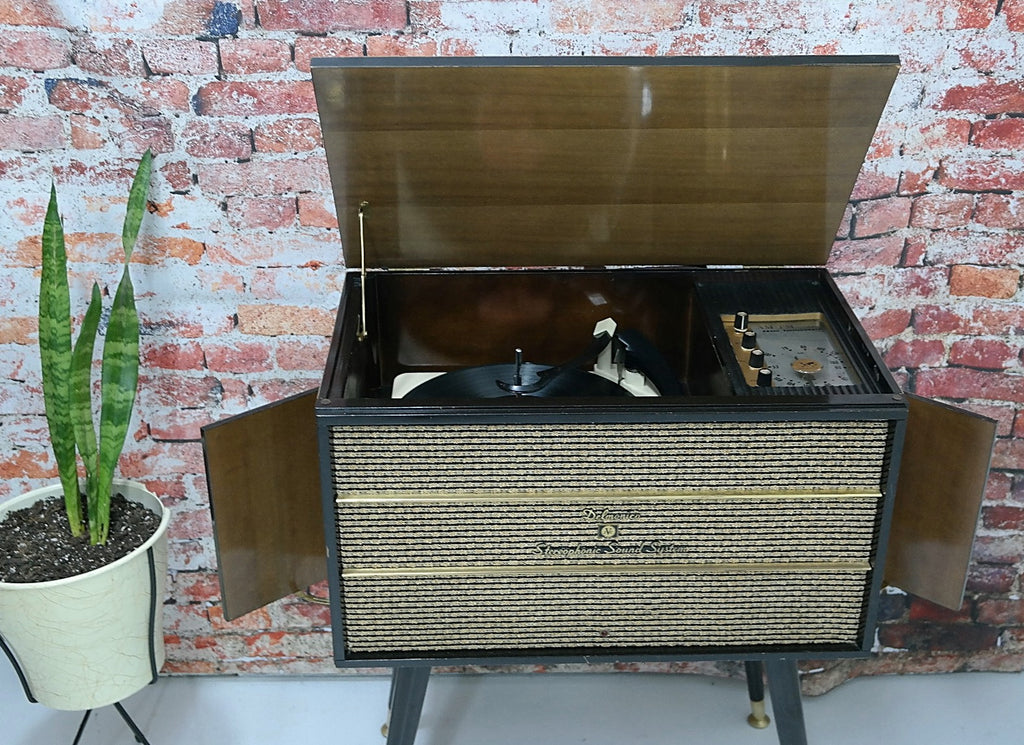 SOLD ... Delmonico AM/FM Tuner & Record Player