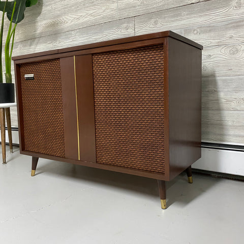**COMING SOON**  STEELMAN Mid Century Stereo Console Record Player Changer AM FM Bluetooth Alexa